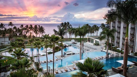 Hawaiian vacation: Deals on winter flights and hotels | CNN Underscored