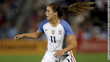 Houston Dash player Sofia Huerta playing for the USWNT in 2017.