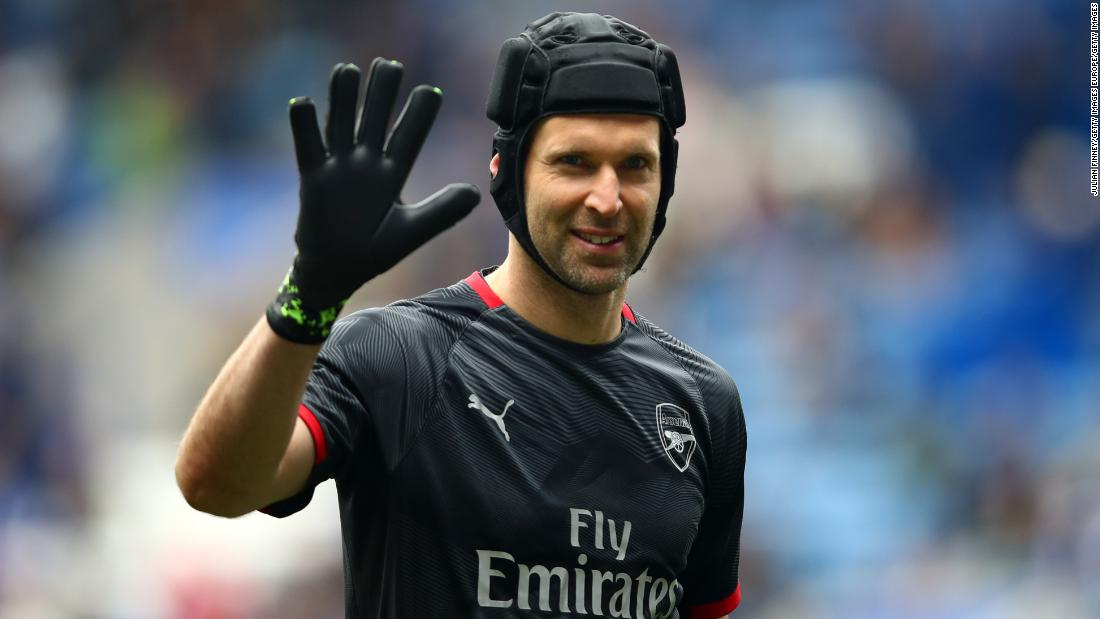 Former goalkeeper Petr Cech signs for English ice hockey team