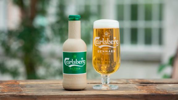 Carlsberg' new paper bottle.