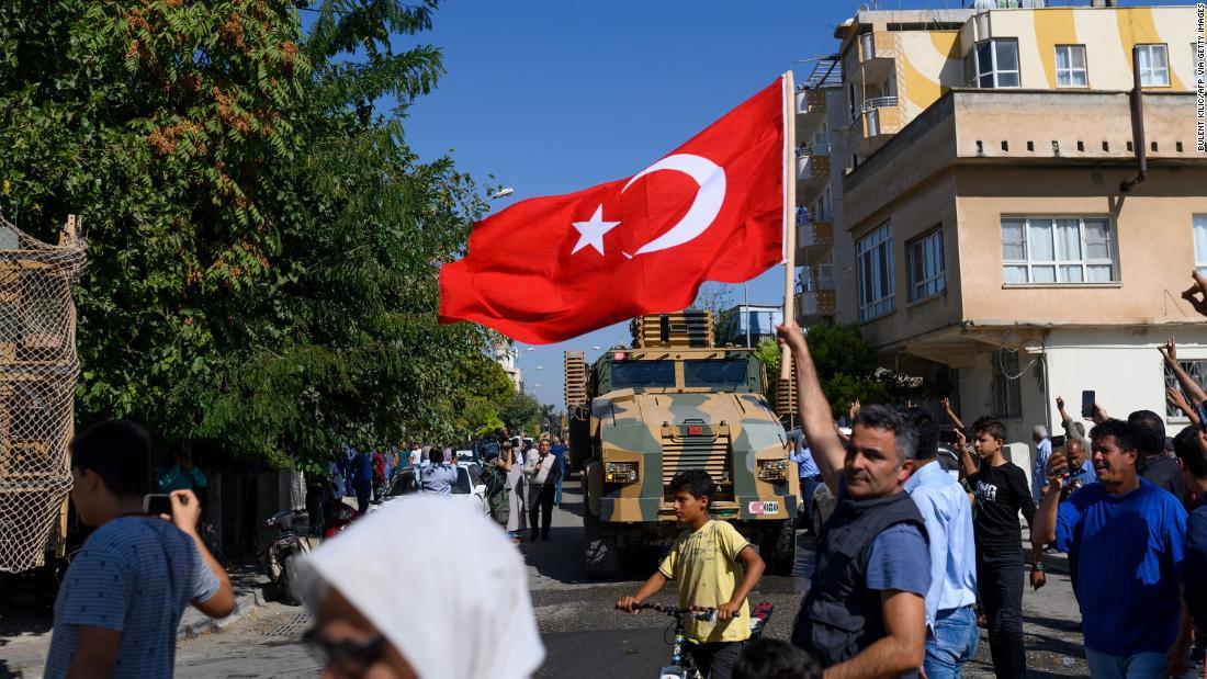 公式トルコ砲兵火にある米軍