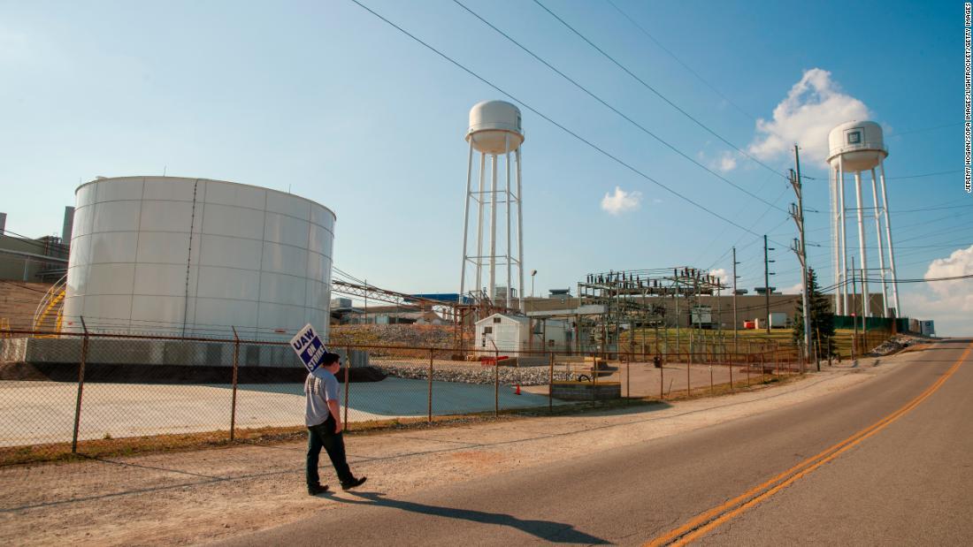 Αμερικής εργοστάσια είναι σε μπελάδες. Ο εμπορικός πόλεμος είναι μόνο μέρος του προβλήματος