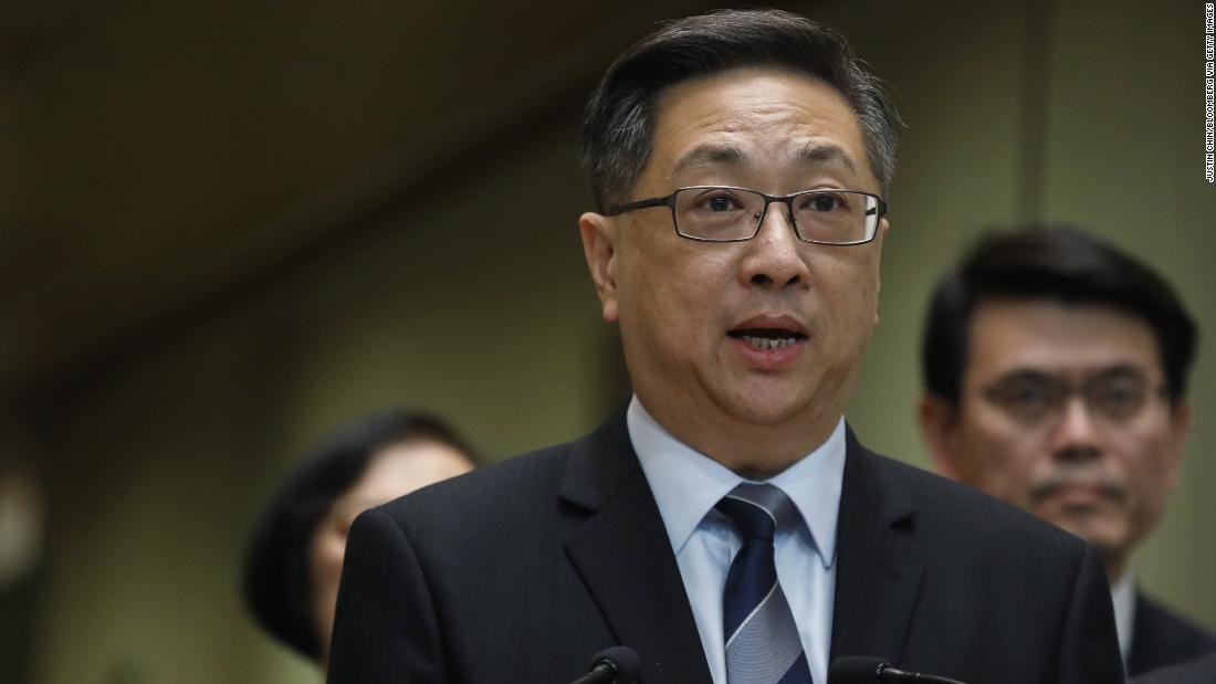 香港の警察官を引退による厳しい状況が続く中で、政情不安のディスクロージャー
