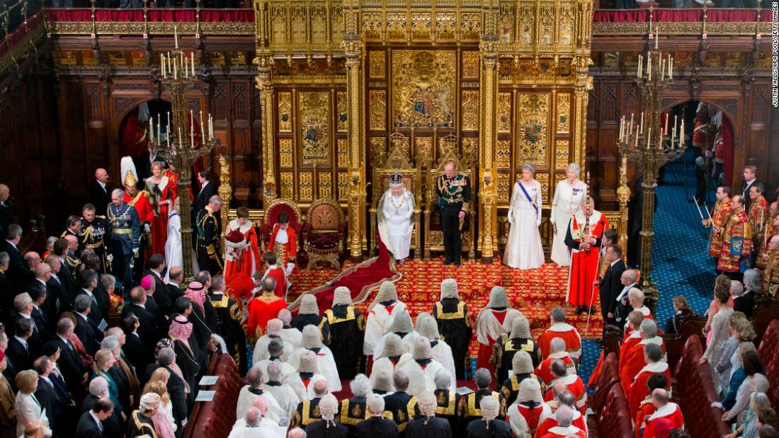 Ratu Pidato membuka sesi baru dari Parlemen INGGRIS selama Brexit kebuntuan