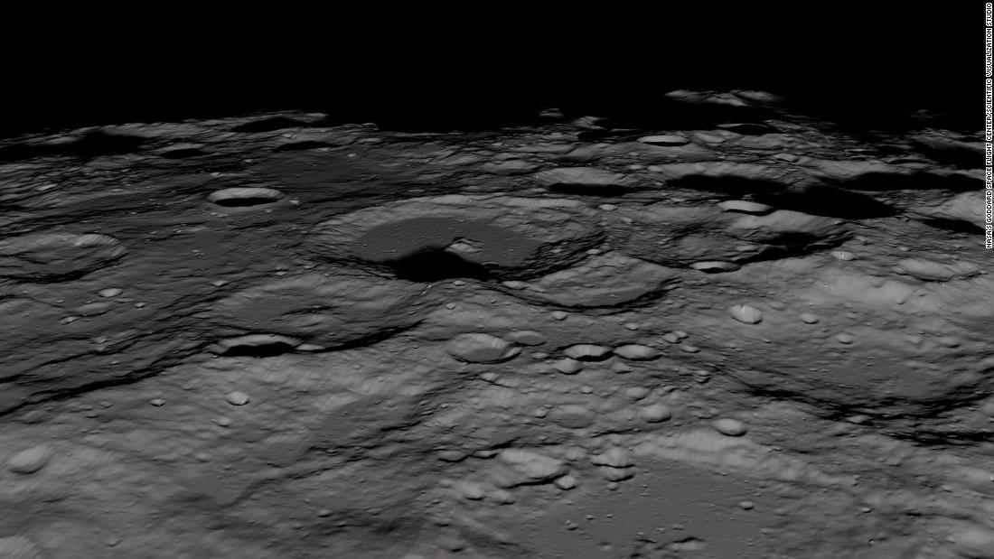 Air di bulan kutub selatan mungkin yang lebih baru