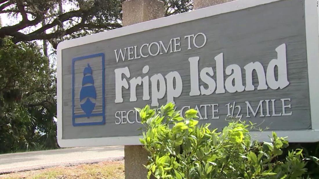 家族が$600,000のコカインの浮近く、サウスカロライナビーチ