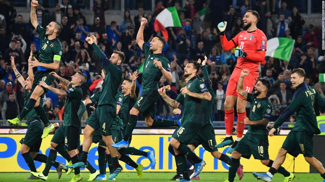 Italiens Fußball-Nationalmannschaft, der grün trägt, qualifizieren sich für die Euro 2020
