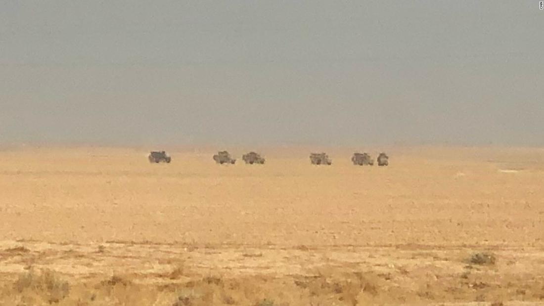 Ratusan orang-orang yang berafiliasi dengan ISIS melarikan diri dari kamp, SDF juru bicara mengatakan