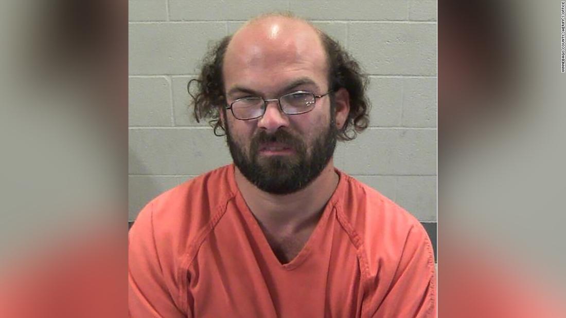 Jaksa: Pria berjalan lebih dari 300 mil untuk berhubungan seks dengan 14-year-old girl