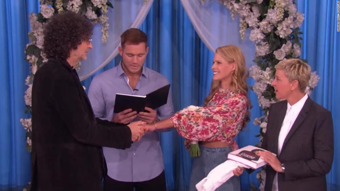 See Howard and Beth Stern renew vows on 'Ellen'