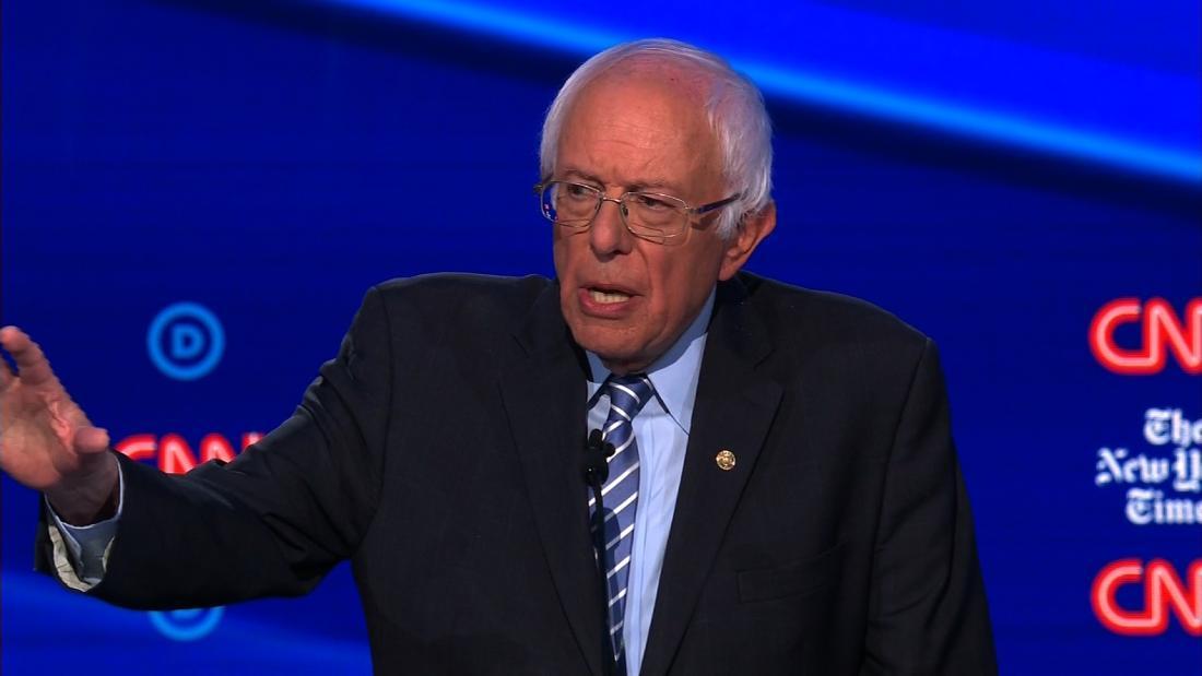 Bernie Sanders retak lelucon tentang ganja