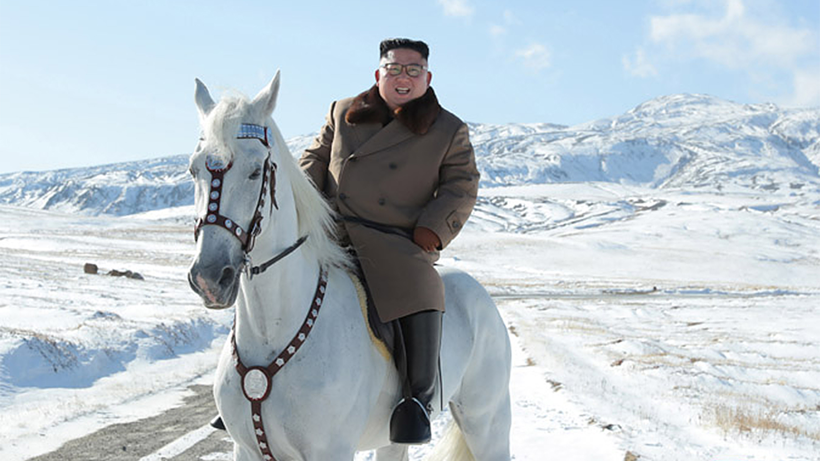 Kim Jong Un Rides A Horse Up Symbolic Mountain Here S Why It Matters Cnn Video