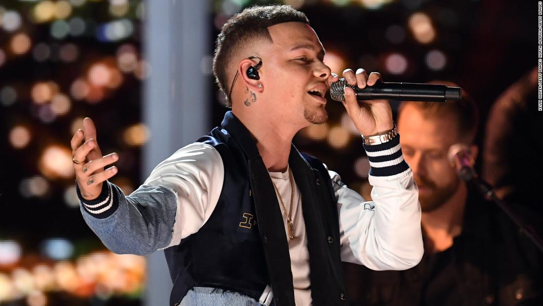 Kane Brown pays tribute to late drummer Kenny Dixon in CMT Artist of the Year speech