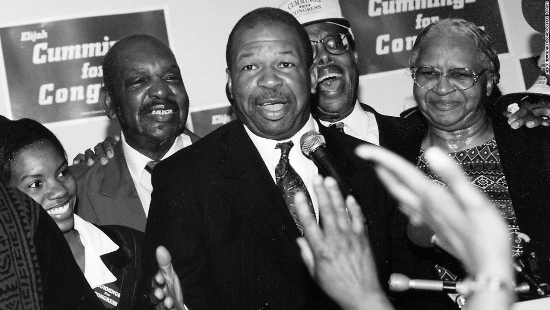 Cummings at his campaign headquarters in 1988.
