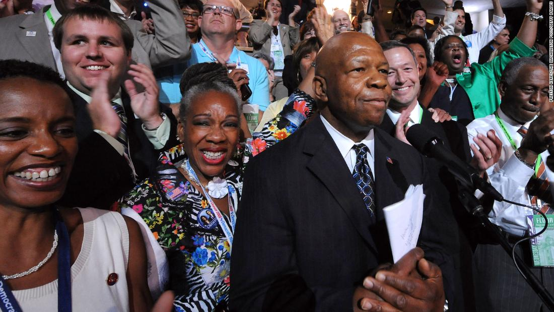 Cummings attends the Democratic National Convention in August 2008.