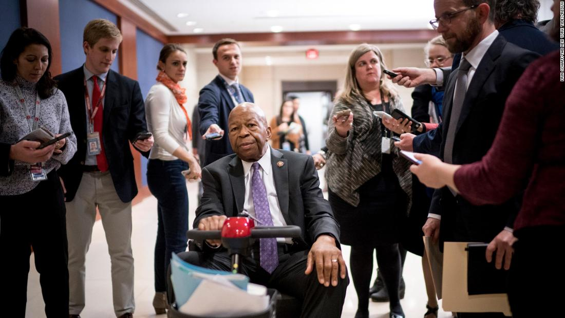 Cummings heads to a classified briefing regarding Russian sanctions in January 2019.