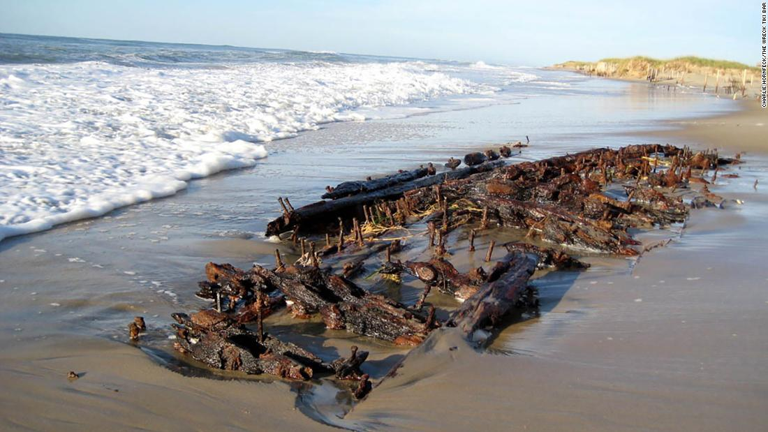 Man discovers shipwreck while walking his dog on the beach