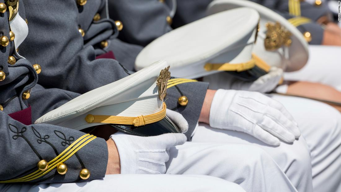 Ein West Point Kadett fehlt, zusammen mit einem M4-Gewehr, Militär-Akademie sagt