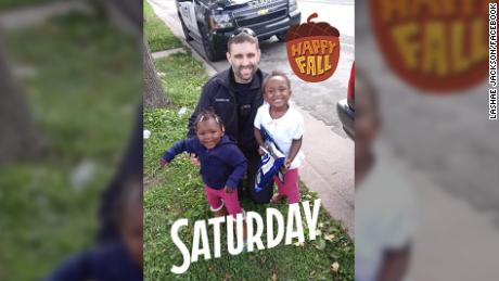 Milwaukee police officer Kevin Zimmerman bought car seats for the girls after pulling their mom over.