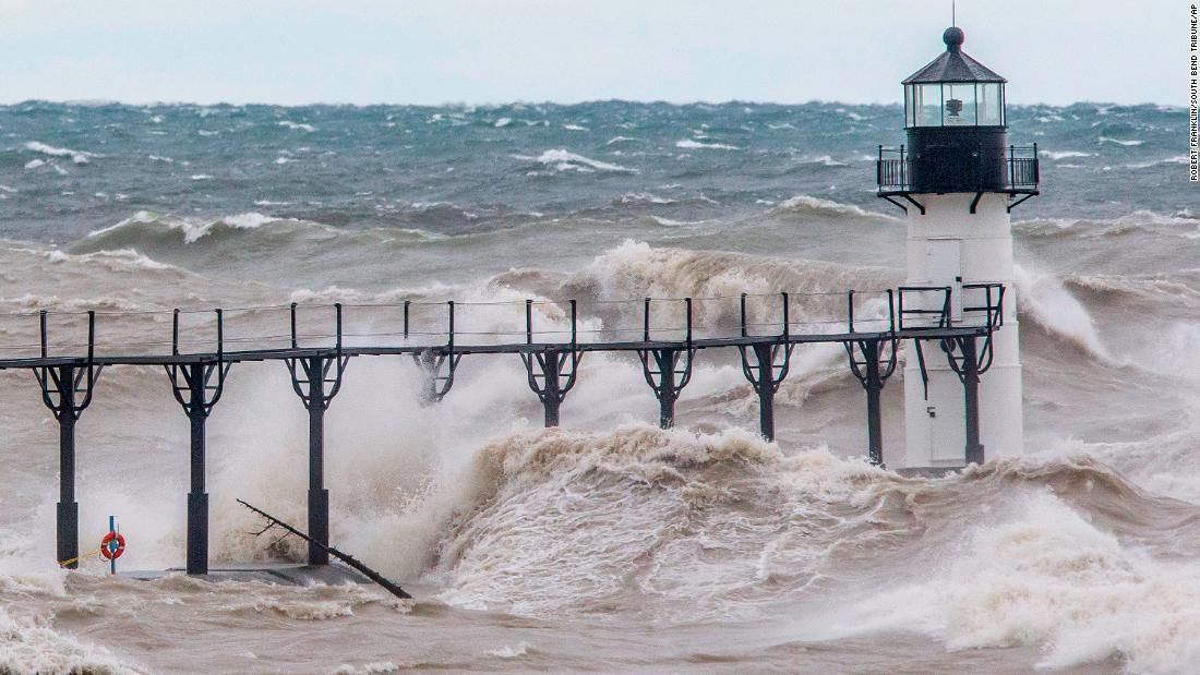 lake michigan will see up to 20 foot waves and gale force winds cnn 20 foot waves and gale force winds