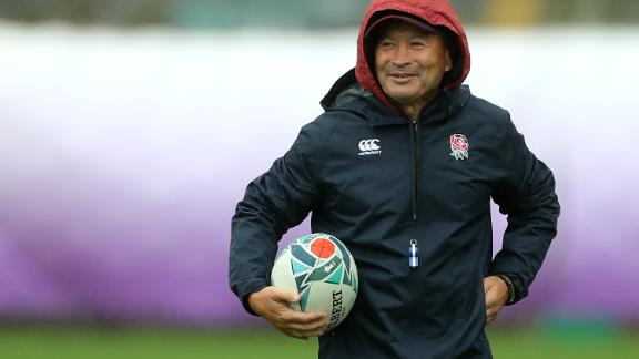 Eddie Jones oversees England training ahead of facing New Zealand in the Rugby World Cup.