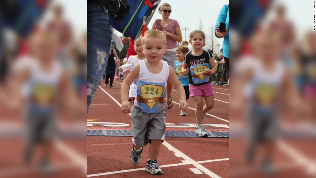 This 11-year-old boy ran a half marathon in all 50 states