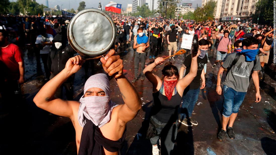 Chile extends curfew again as violent unrest paralyzes one of Latin America's biggest cities