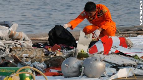 Lion Air crash investigations, bugs Boeing 737 Max design and surveillance