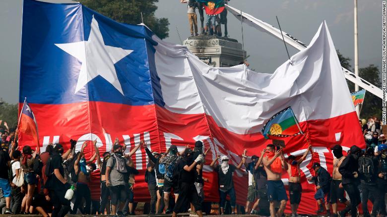 191023185124-chile-protestas-manifestaci