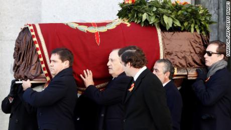 La polémica expulsión de Franco se produce en España