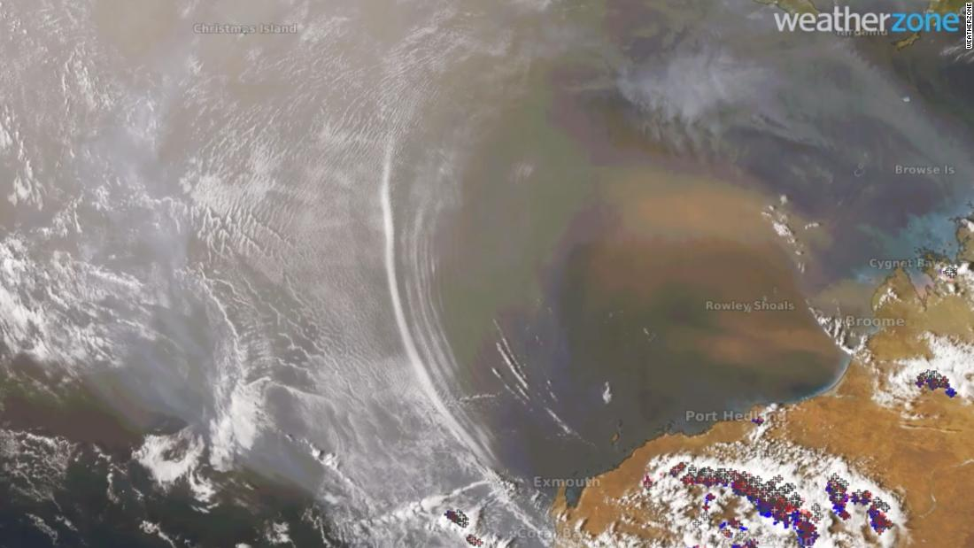 Satellite captures rare images of atmospheric gravity waves