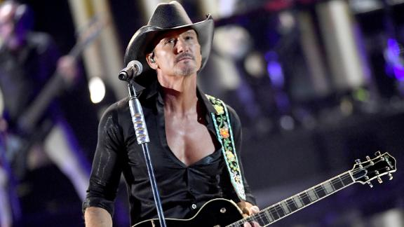 LAS VEGAS, NEVADA - SEPTEMBER 20: (EDITORIAL USE ONLY) Tim McGraw performs onstage during the 2019 iHeartRadio Music Festival at T-Mobile Arena on September 20, 2019 in Las Vegas, Nevada. (Photo by Kevin Winter/Getty Images for iHeartMedia)