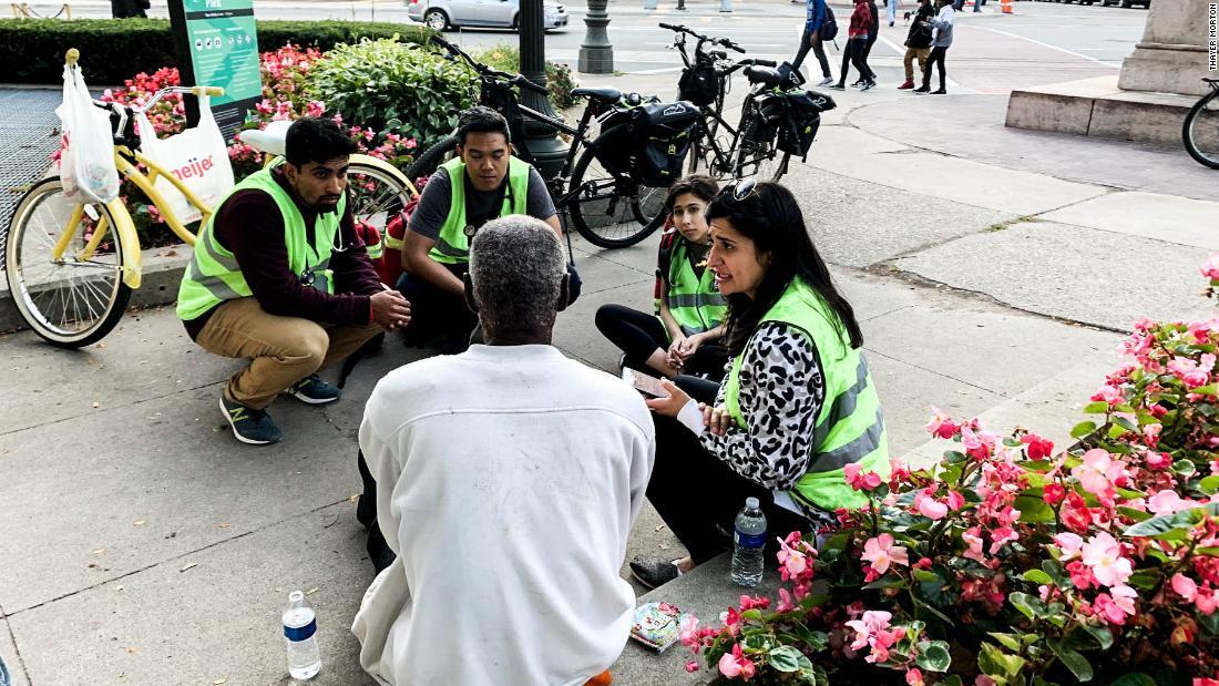 Φοιτητές ιατρικής στους δρόμους για να δώσει δωρεάν περίθαλψη για τους άστεγους του Ντιτρόιτ