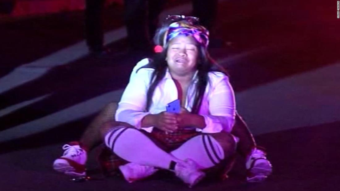 五人が死後、撮影時のカリフォルニア州のハロウィンパーティ