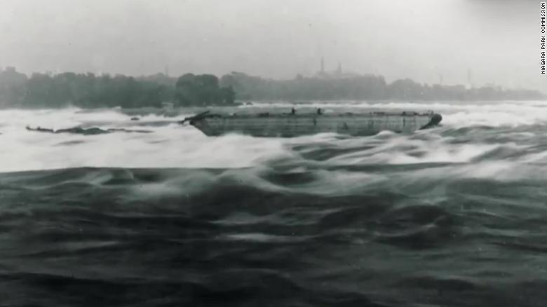 Niagara Falls Boat Stuck On Rocks 101 Years Dislodged Cnn