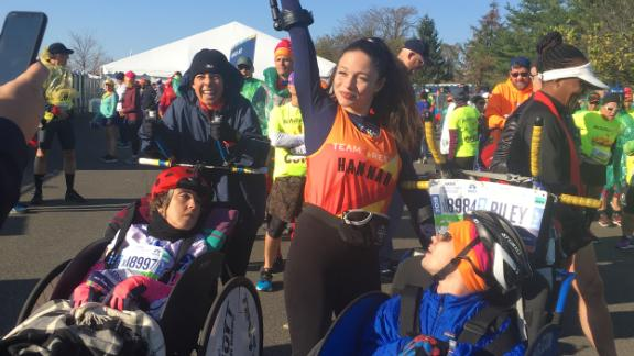 Hannah Gavios decided to participate in the New York City Marathon in 2018 after learning about Amanda Sullivan, who had previously completed marathons on crutches.