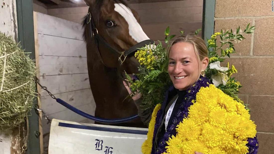 Άλογο που ονομάζεται μετά Ατού tweet κερδίζει εκατομμύρια δολάρια αγώνα