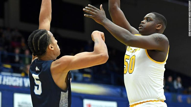 Kalin Bennett made his debut with the Kent State Flashes on Wednesday night.