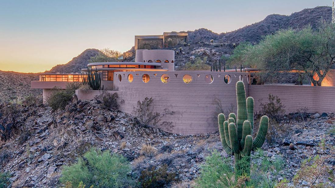 See inside of last home designed by Frank Lloyd Wright