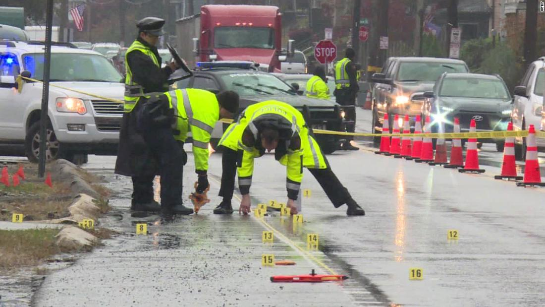 Η γυναίκα πέθανε αφού χτυπήθηκε από ένα φορτηγό και να σύρονται από ένα άλλο όχημα, η αστυνομία λέει