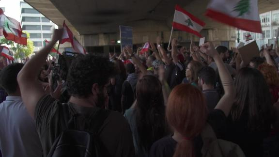 Lebanon corruption protest wedeman pkg_00000000.jpg
