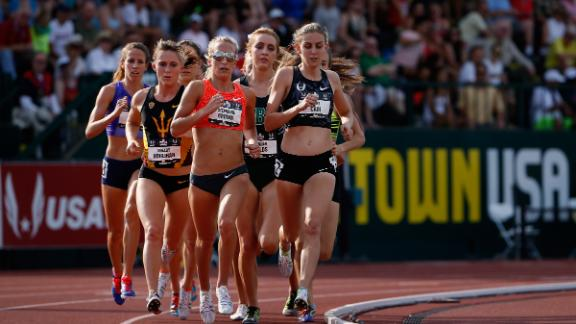 Mary Cain leads the pack as she competes in June 26, 2015.