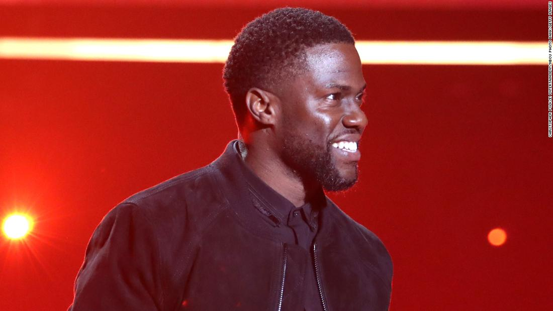 Kevin Hart makes first public appearance since car accident at the People's Choice Awards