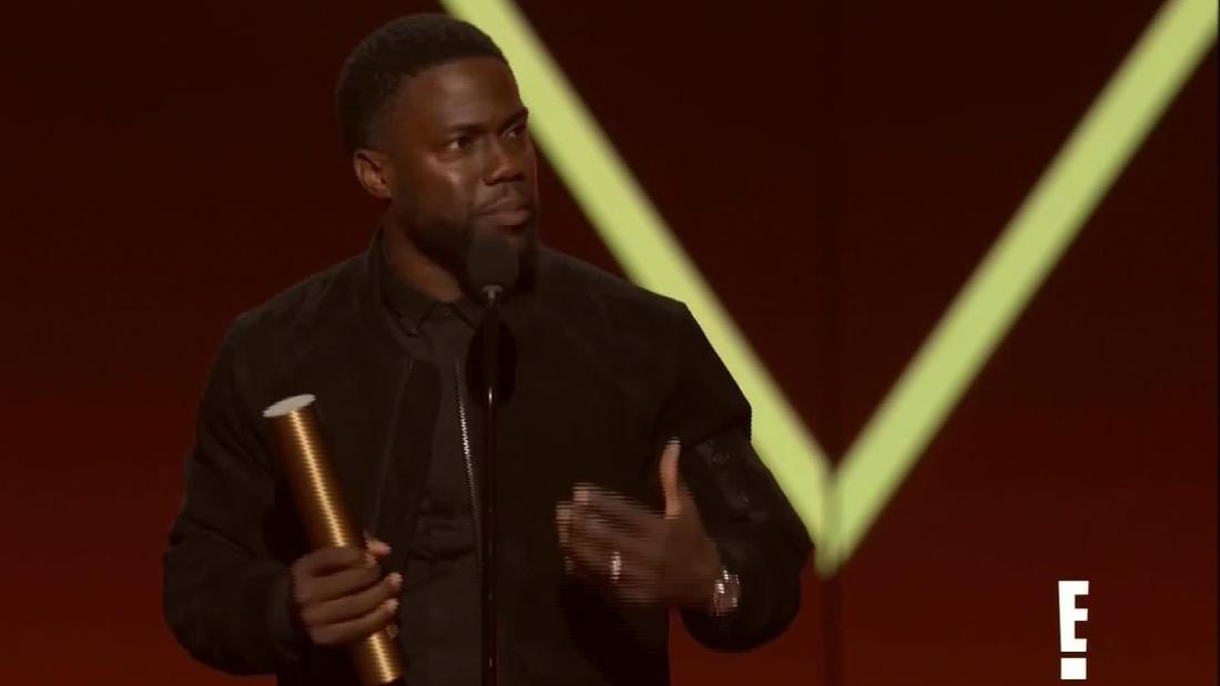 Kevin Hart receives standing ovation at awards - CNN