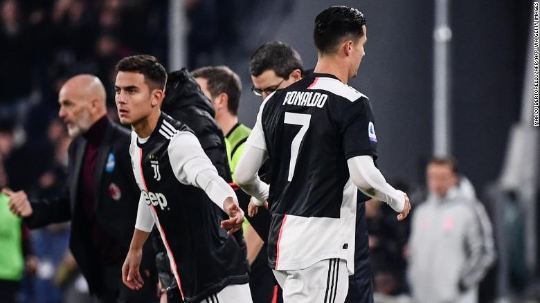 Ronaldo leaves the pitch after being replaced by Dybala.