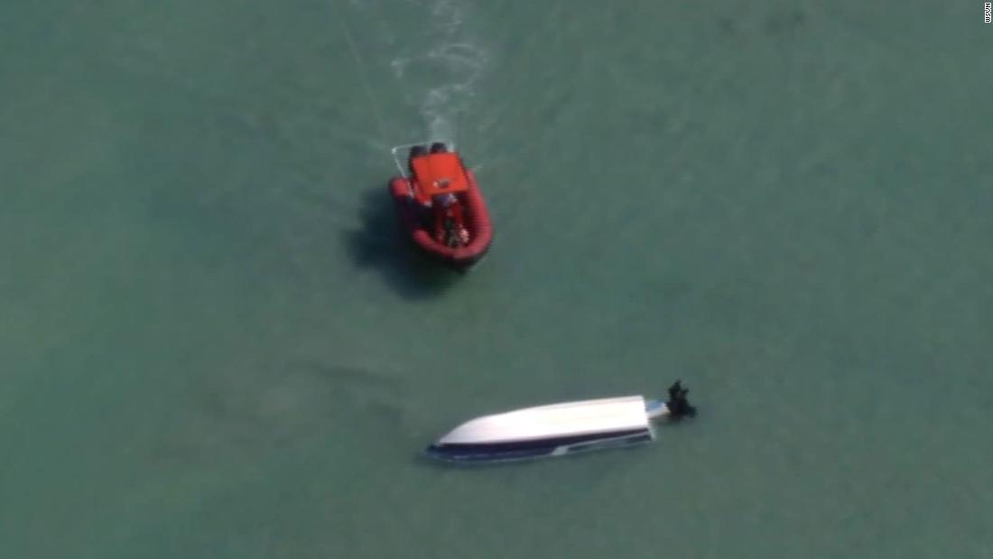 Coast Guard mencari 2 hilang pelaut
