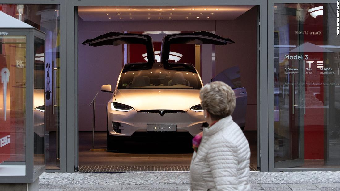 Elon Musk λέει Tesla θα κατασκευάσει αυτοκίνητα στο Βερολίνο