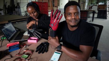 Roy Allela models the Sign-IO gloves.
