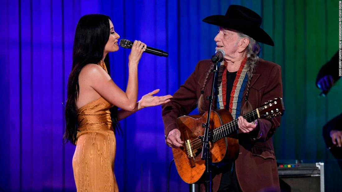 Willie Nelson and Kacey Musgraves share a sweet duet
