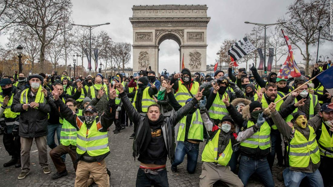 France's gilets jaunes movement is in desperate search of a direction